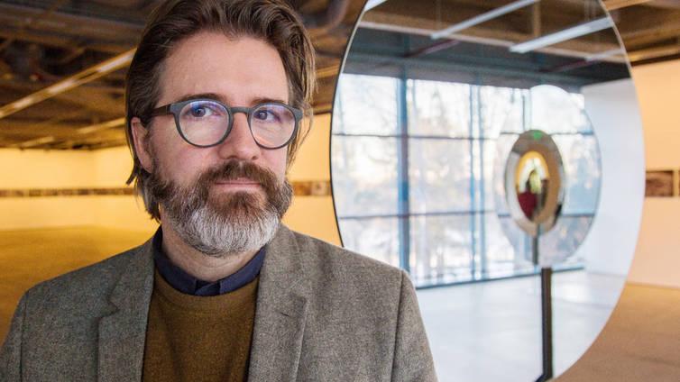 Nykytaiteilija Olafur Eliasson: Taiteen merkitys kasvaa, kun luottamus politiikkaan on mennyt