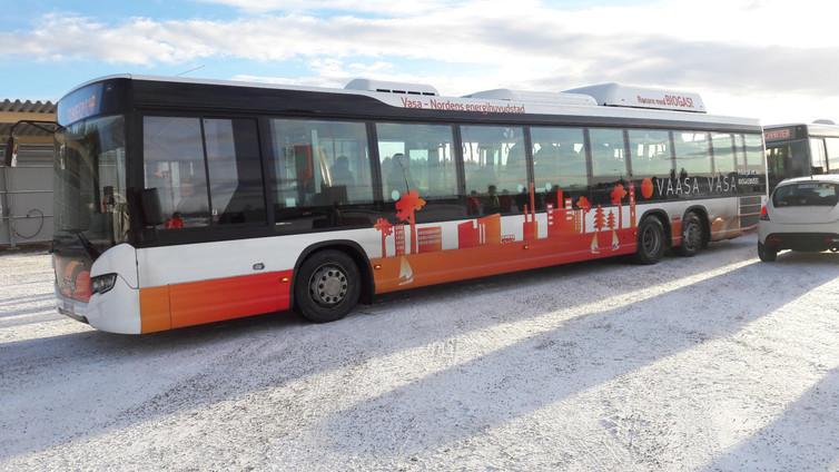 Biobussit liikkuvat ruoantähteistä ja jätevedestä tehdyllä kaasulla