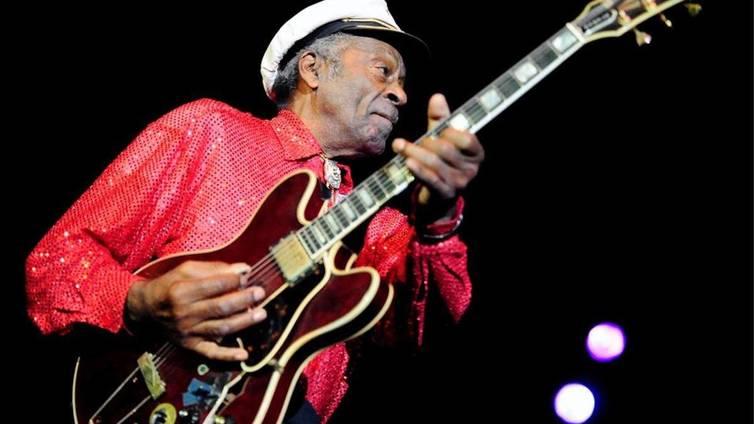Rock-musiikin pioneeri Chuck Berry on kuollut