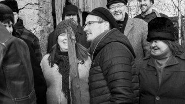 Ohjaaja Juho Kuosmanen teki Suomen ensimmäisen elokuvan uudelleen