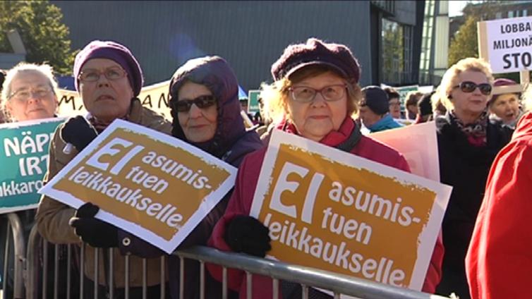 Perussuomalaisten kannatus romahti, SDP nousussa