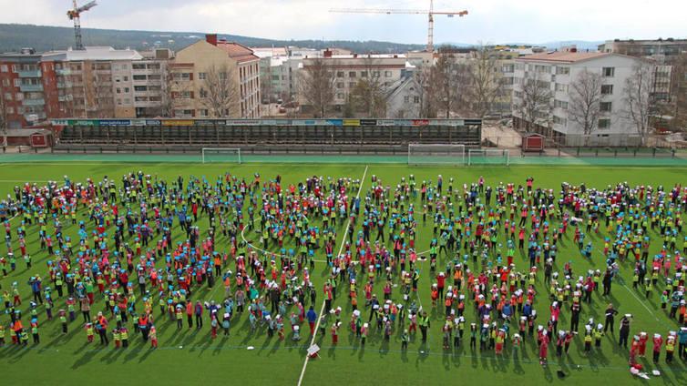 1300 päiväkotilasta vietti unelmiensa liikuntapäivää leikkien ja tanssien