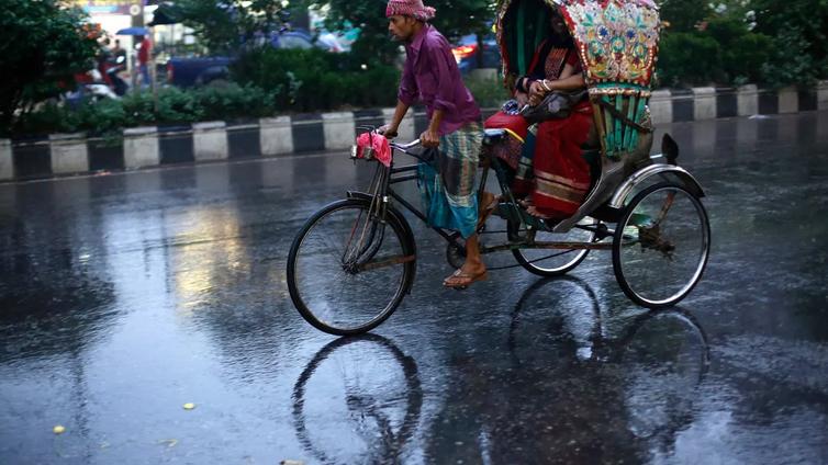 Voimakas sykloni iski Bangladeshiin – puoli miljoonaa evakuoitu