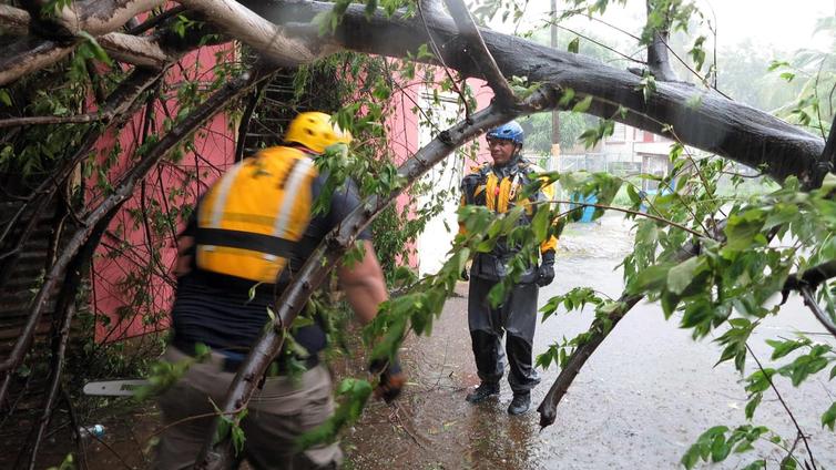 Hurrikaani Irma riepottelee saaria Karibianmerellä