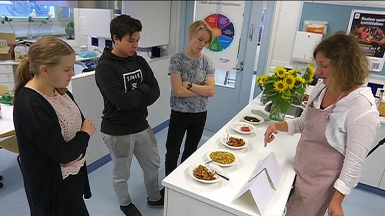 Oppilaat otettiin mukaan kehittämään maistuvia kasvisruokia kouluruokailuun