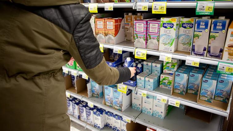 Kaupat haluavat eroon muovipakkauksista