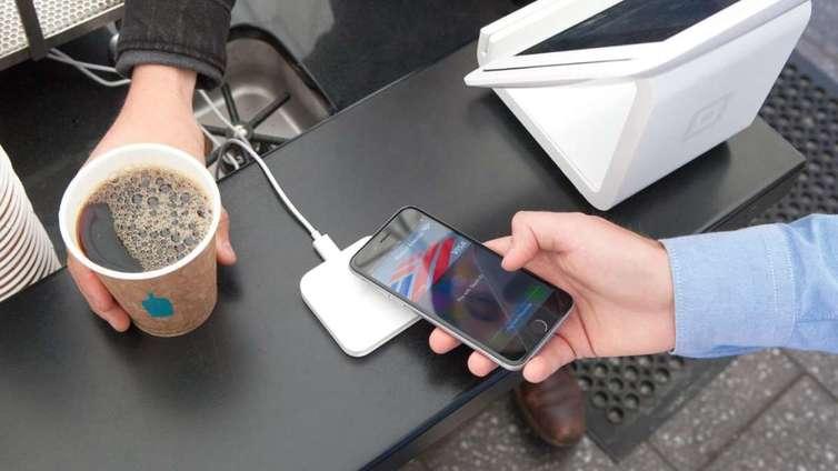 Puhelimet voivat pian korvata kortit maksuvälineenä