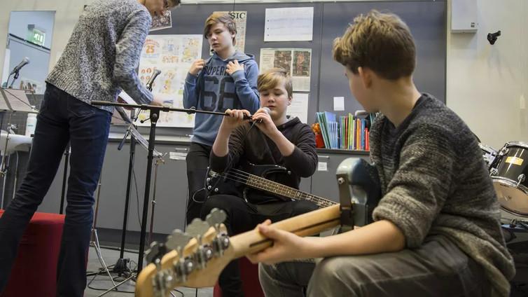 Musiikinopetuksen taso vaihtelee peruskouluissa
