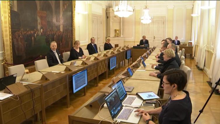 Itsenäisyysjulistuksesta 100 vuotta - hallitus kokoontui juhlaistuntoon