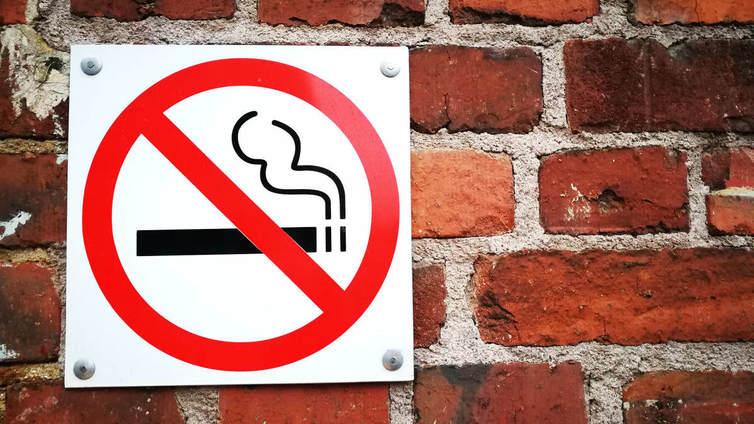 Moni nuori pitää tupakointia turhana tapana