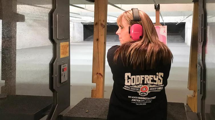 Kansasissa opiskelijan repussa saa olla myös ase