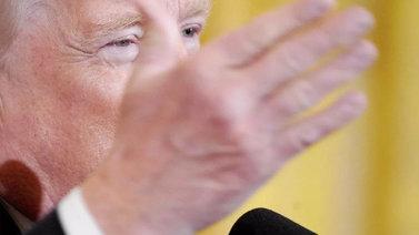 Trump otti askeleen kohti aselakien tiukennusta