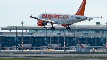 Ero perinteisten lentoyhtiöiden ja halpalentoyhtiöiden välillä on lähes hävinnyt