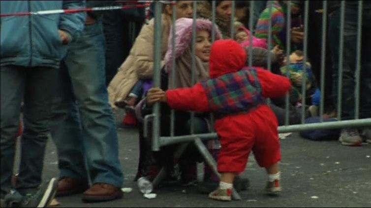 Pakolaiskriisi kärjistyy Itävallassa - maan suunnittelema aita olisi poikkeuksellinen