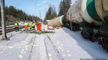 35 tonnia vaarallista ainetta valui luontoon Mäntyharjulla