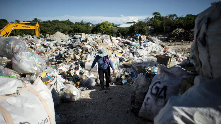 Filippiinien suosittu Boracayn lomasaari ei kestänyt turismia