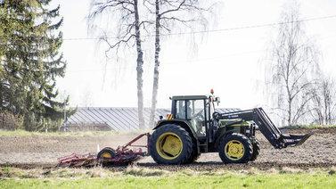 Löytyykö ratkaisu ilmastonmuutokseen suomalaiselta pellolta?