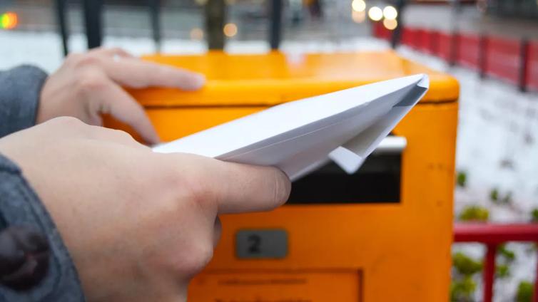 Posti on mainettaan parempi - valtaosa kirjeistä pääsee perille päivässä