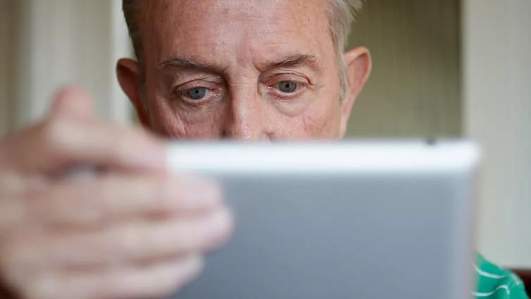 Digitaidottomat kaipaavat apua perheenjäseniltä ja sukulaisilta