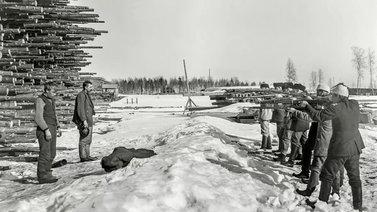 Julma maa –dokumentin kuvat näyttävät Suomen sisällissodan julmuuden