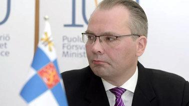 Puolustusministeri Niinistö: Suomi ei ole vienyt Arabiemiraatteihin aseita vaan suojaa