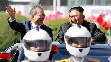 Koreat haluavat parantaa välejään - Pohjois-Korea lupaa purkaa ydinlaitoksen