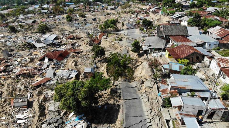 Indonesian maanjäristyksen jälkiä korjataan vuosia
