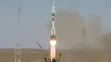 Sojuz-avaruusraketin laukaisu epäonnistui – Miehistö pelastautui laskuvarjolla