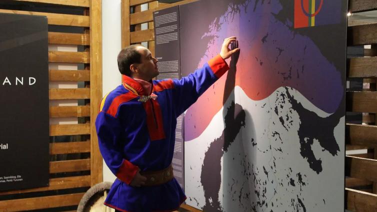 Saamelaiskäräjät haluaa kitkeä saamelaisuutta hyväksikäyttävää turismia