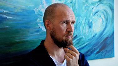 Touko Aalto luopuu vihreiden puheenjohtajuudesta uupumuksen vuoksi