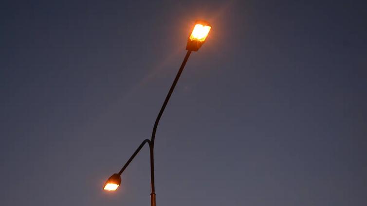 Taajamien katulamput vaihtumassa led-valoiksi