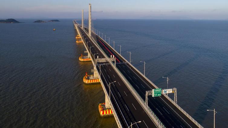 Maailman pisin merisilta löytyy Kiinan ja Hongkongin väliltä