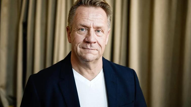 Laulaja Olli Lindholm on kuollut