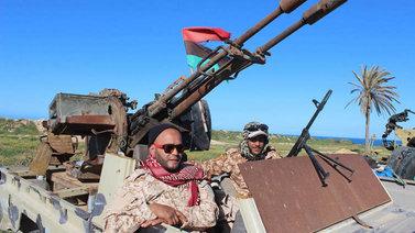 Libyassa taistelut pääkaupungin Tripolin lähellä kiihtyvät