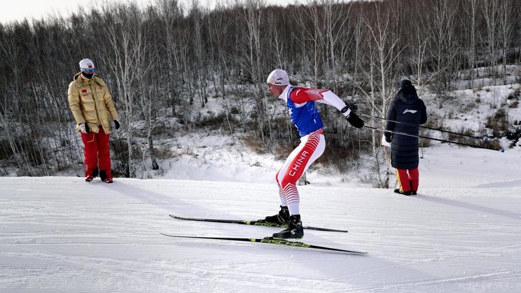 Kiina yrittää leipoa maratoonareista ja soutajista hiihtosankareita