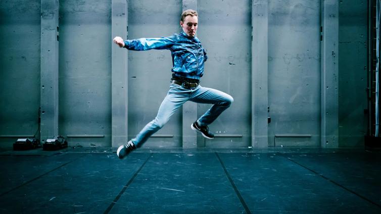 Jumpstyle loikkasi somesta teatterilavoille
