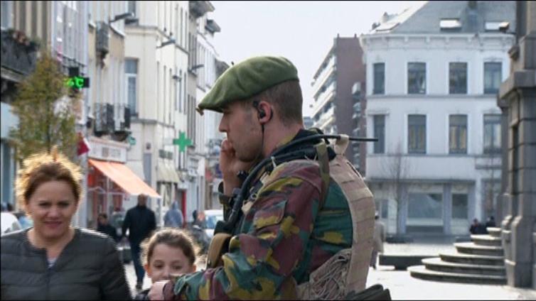 Brysselin poikkeustila sulki koulut ja kaupat - EU-kokoukset jatkuvat tiukasti vartioituina