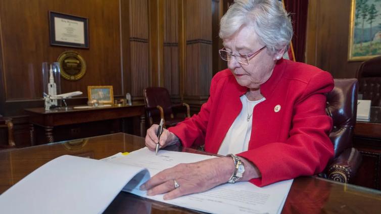 Alabamassa hyväksyttiin USA:n tiukin aborttilaki