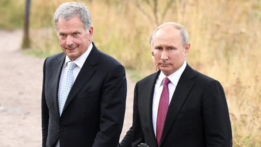 Presidentti Niinistö toimii viestinviejänä maailman johtajien välillä