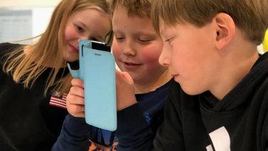 Asikkalassa mitataan oppilaiden tunteita mobiilisovelluksen avulla