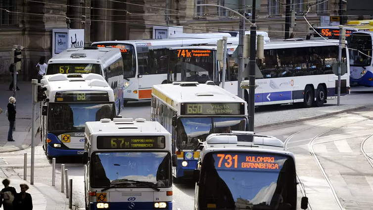 Ylen selvitys: Autoilu vähenee, jos julkinen liikenne on halpaa ja helppoa