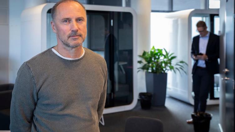 Kuusi suomalaista työnantajaa kertoo tarkkailevansa henkilöstönsä sähköposteja