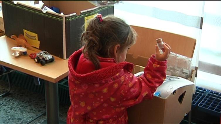 Turvapaikanhakijoiden perheenyhdistämiset ruuhkautuvat - sähköinen palvelu vähentää vaarallisia matkoja