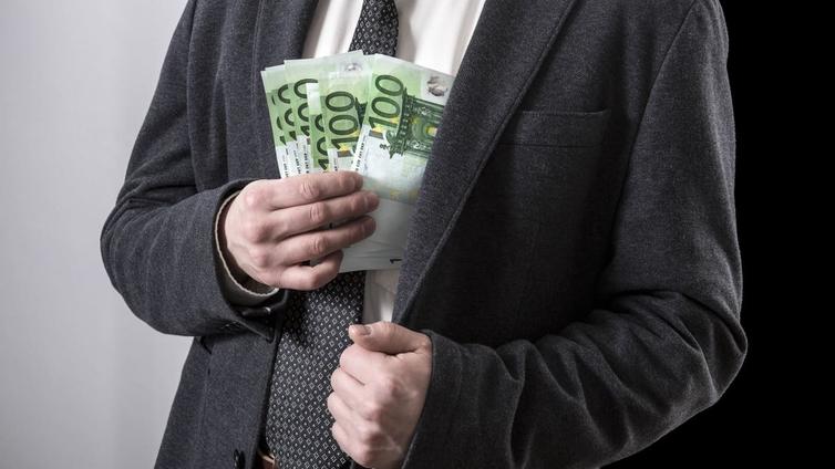 Rikkaiden tulot kasvavat verotuksen tuella