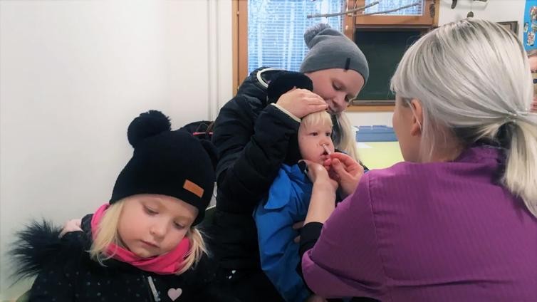 Pohjois-Karjalassa pikkulapset voivat saada influenssarokotuksen jo päiväkodissa