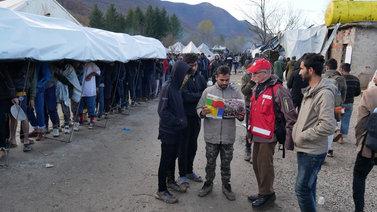 Taudit ja talvi uhkaavat siirtolaisia Bosnian pakolaisleirillä