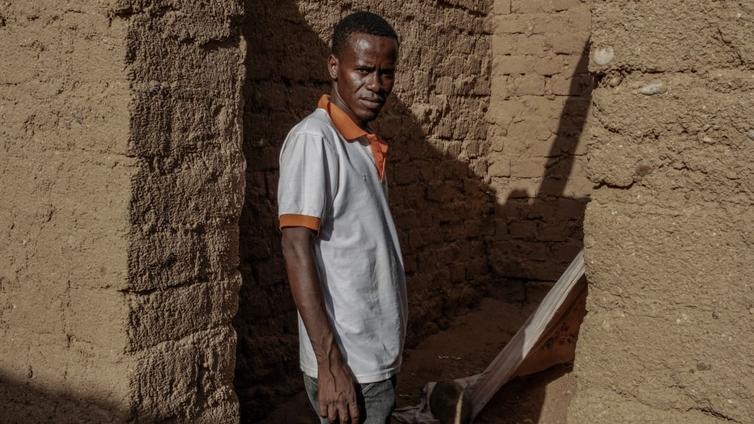 Maahanmuuttoa suitsiva EU-politiikka on ajanut siirtolaiset ahtaalle Saharassa