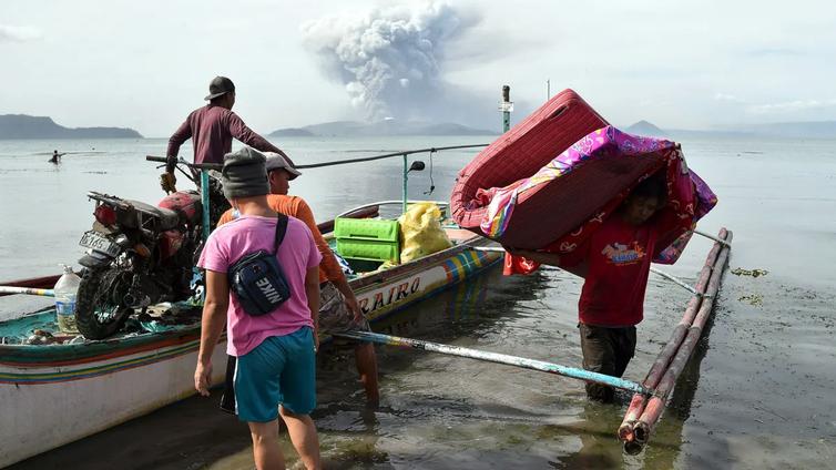 Filippiineillä pelätään rajua tulivuorenpurkausta