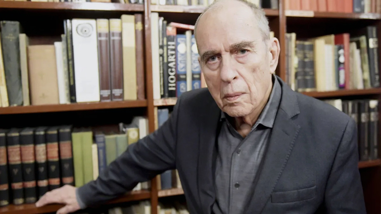 Kirjailija, elokuvaohjaaja ja poliitikko Jörn Donner on kuollut