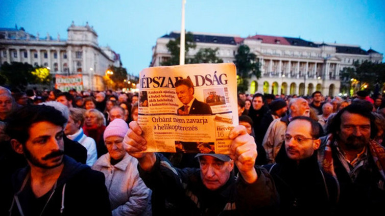 Sananvapaus, journalismi ja toimittajat ahtaalla eri puolilla maailmaa